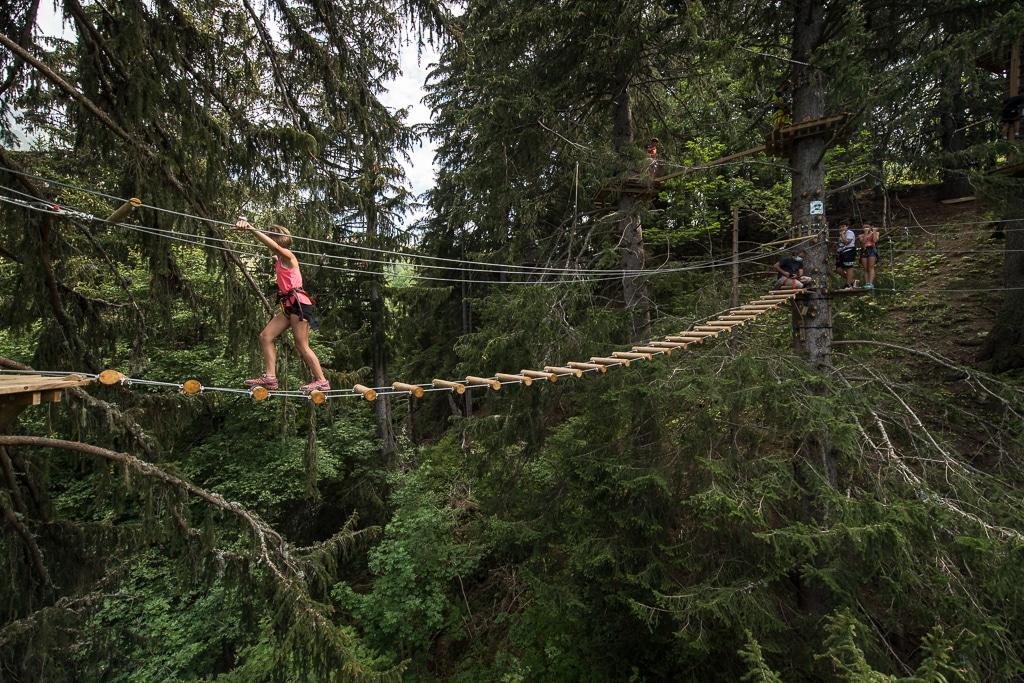 Le Cime Parc, le parcours accrobranches de Saint François Longchamp. Une des nombreuses activités durant l'été