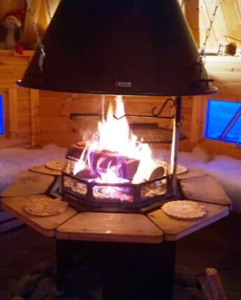Kota finlandais, lieu insolite pour vos repas en altitude l'hiver
