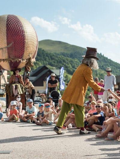 Spectacle pour enfants durant le Festival des Petites Canailles en tongs